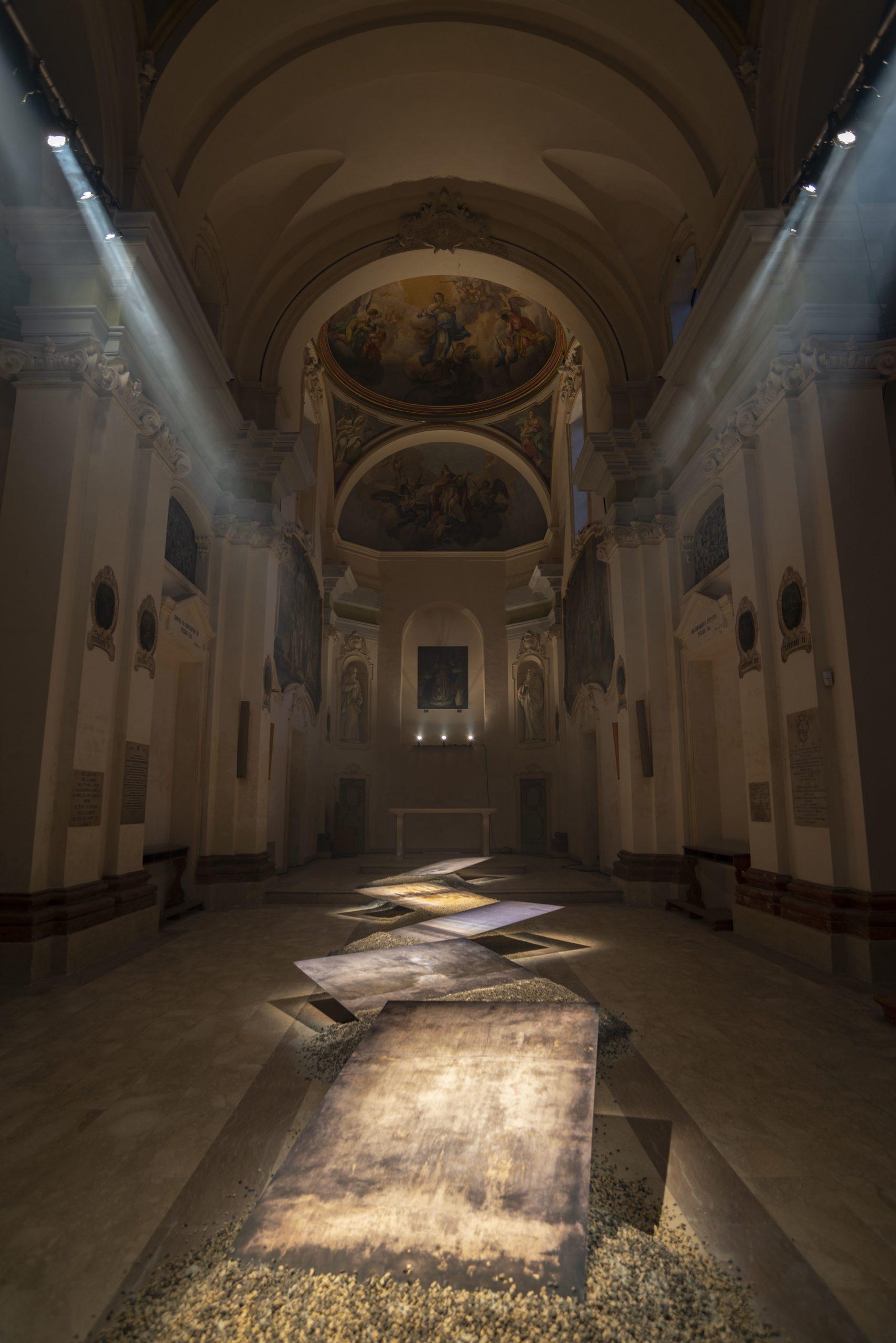 Bellezze inaspettate -abbattere i muri, chiesa di San Zenone, Cesena, Italie